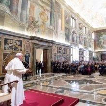 Ferenc pápa május 24-én, az Apostoli Palota Kelemen termében